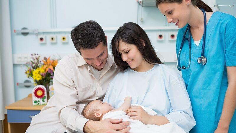 نقش ماما در دوران بارداری و بعد از آن