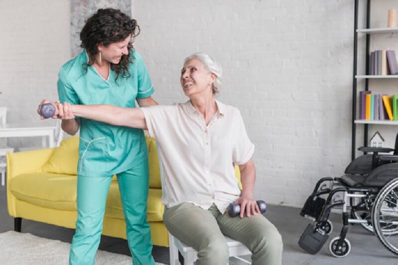 آینده شغلی فیزیوتراپی با توجه به رشد جمعیت سالمندان