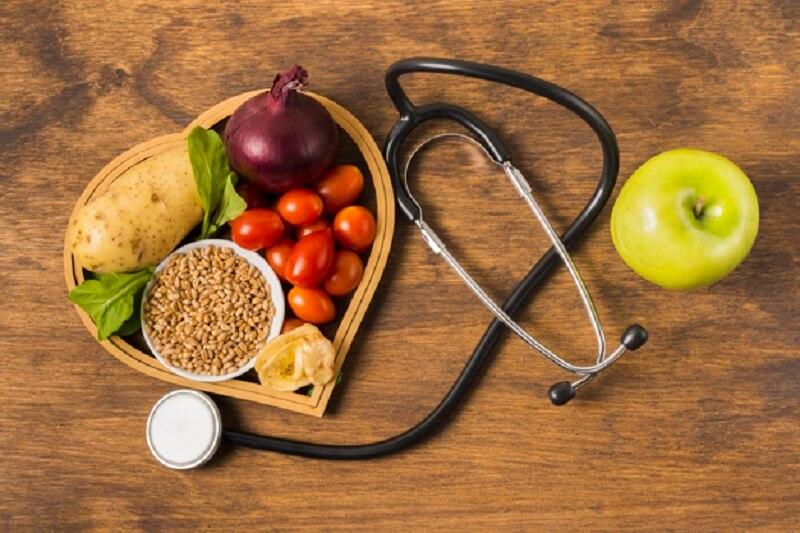 رژیم غذایی سالم، شامل مواد مغذی لازم برای درست کار کردن بدن است.