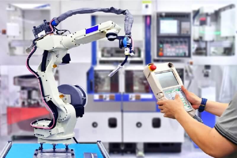آینده شغلی رشته مهندسی رباتیک در ایران