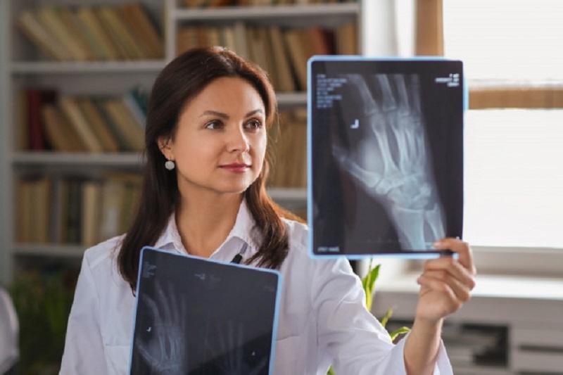 فرصت های شغلی برای رادیولوژیست ها
